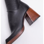 black-stretched-leatherette-square-toe-high-boots (4)